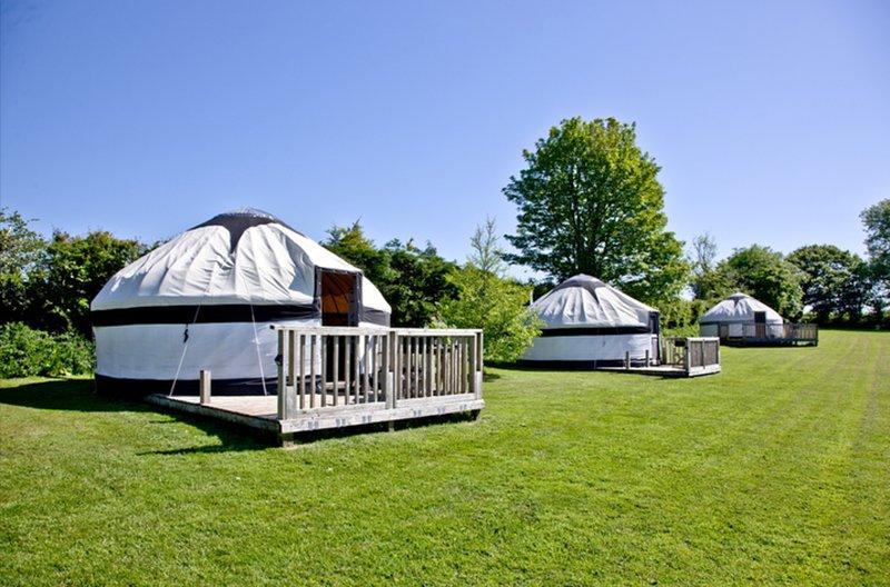 Cornish Yurt with Hot Tub (1), location de vacances à Ettrick