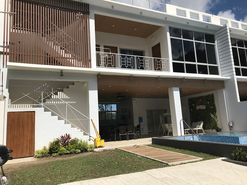 Arabella Hot Spring Resort, holiday rental in Laguna Province