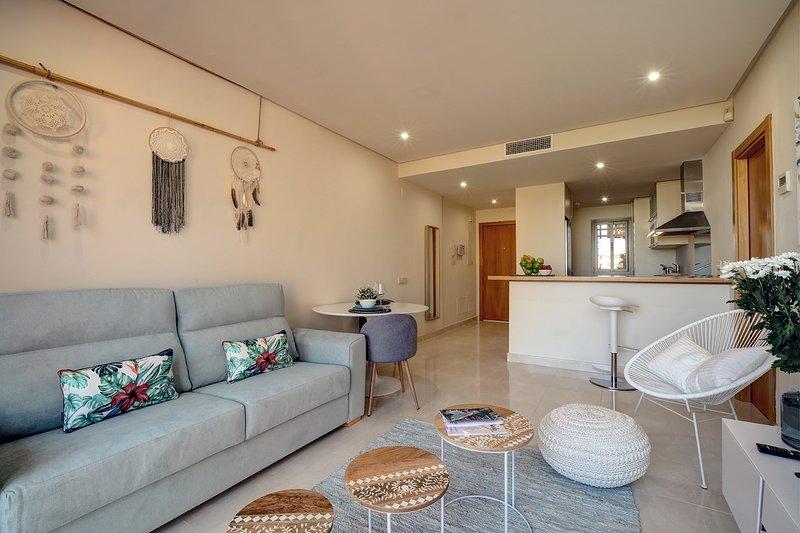 Sotoserena Tropical apartment -sleeps 4, vacation rental in Cancelada