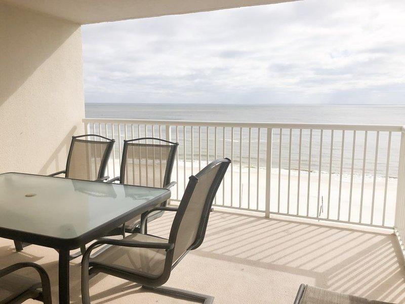 Sitting area/ocean view