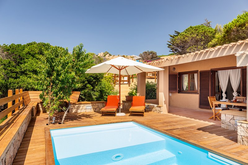 Suite Rosa 7 with private pool, vacation rental in Costa Paradiso