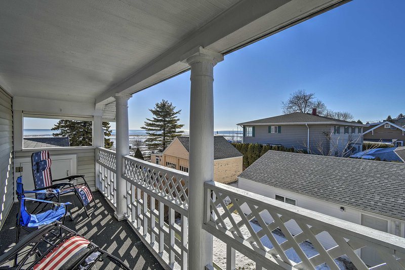 Bask in sunshine and views of Lake Michigan from the private balcony!