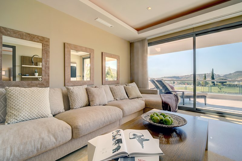 Boutique Flat 3-ensuite-bed,GOLF SEA AND SPA, location de vacances à Benahavis