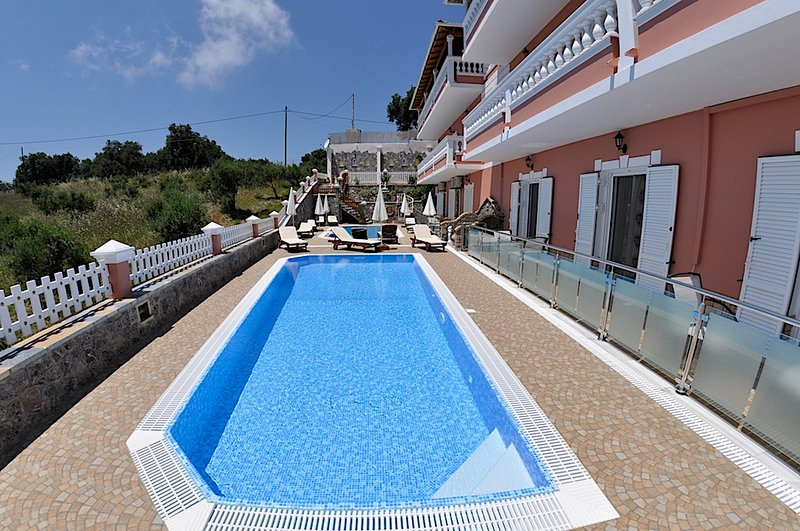 Chrinos House, holiday rental in Agios Stefanos