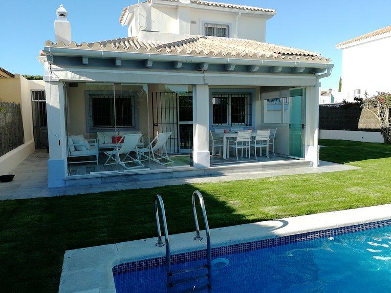 Vistahermosa c piscina junto a P Sherry y playa, Ferienwohnung in El Puerto de Santa Maria