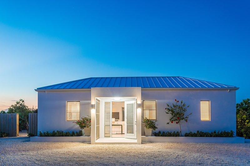 Grace Haven - brand new villa in Leeward, alquiler de vacaciones en Leeward