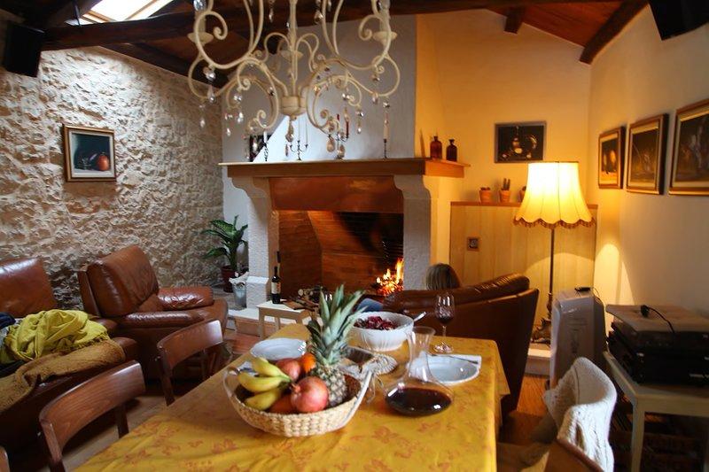 Casa Vecia - Romantic house for 2, alquiler de vacaciones en Brtonigla