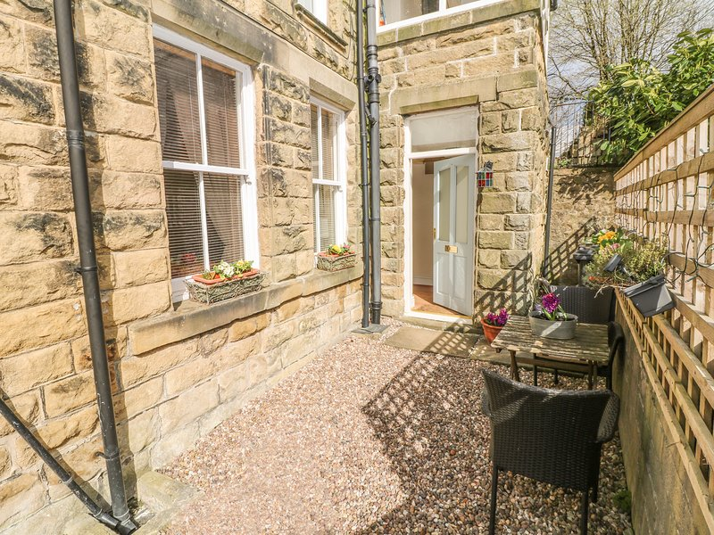 THE LANTERNS, ground floor, off road parking, WiFi, in Buxton, Ref 945105, casa vacanza a Combs