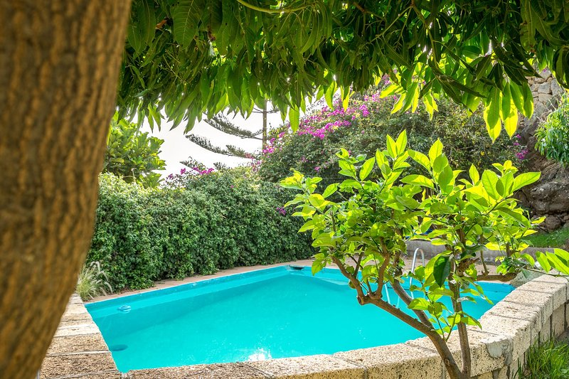 Charming Country house Candelaria, Tenerife, vacation rental in Candelaria