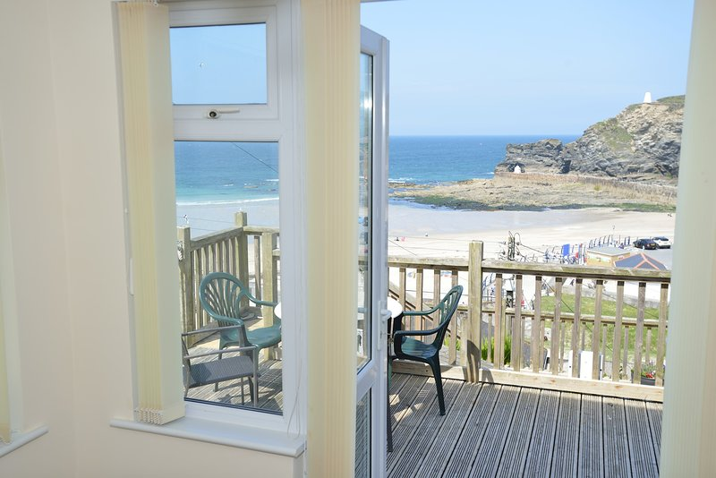 Gulls Roost with Stunning Sea Views - 2 Bedroom Cottage, alquiler vacacional en Portreath