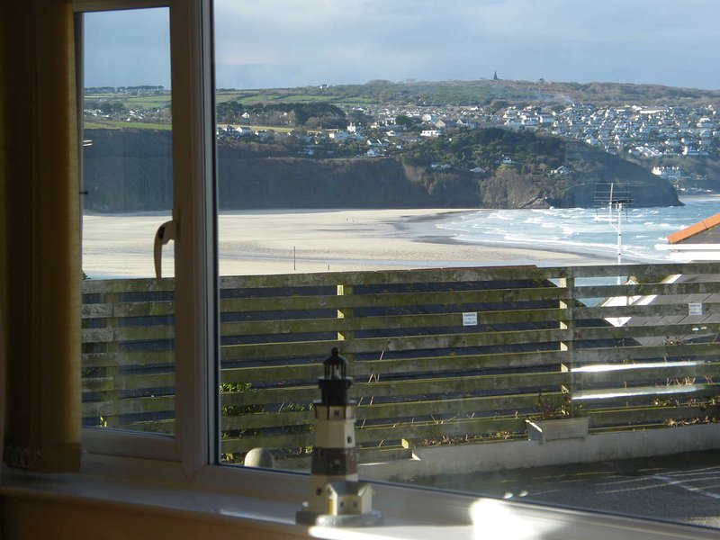 Dolphin - 3 Bedroom Bungalow with some Sea View and Pet Friendly, alquiler vacacional en Hayle