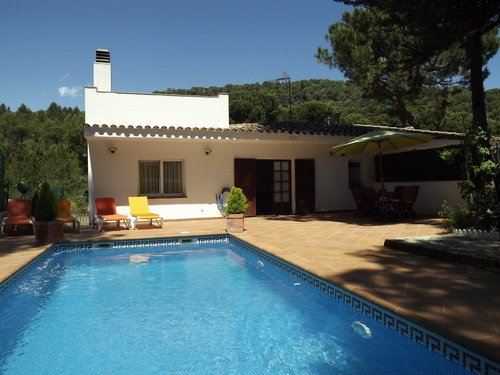 Fornells de la Selva Villa Sleeps 4 with Pool and WiFi - 5736608, alquiler de vacaciones en Regencós