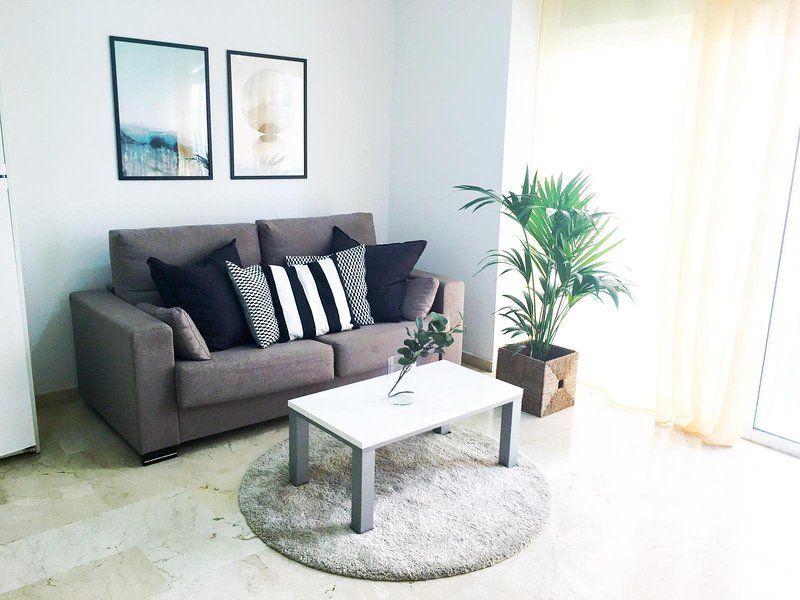 Sagasta Beach Apartment II by Canary365, vacation rental in Utiaca