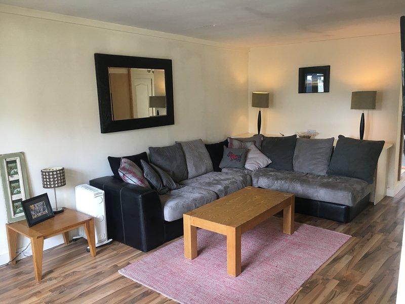 2 Bedroom Mews in Dalkey, vacation rental in Bray