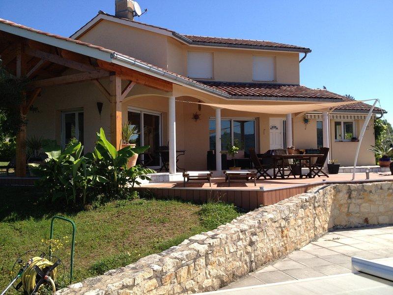 BELLE VILLA AVEC PISCINE IMPASSE DES OLIVIERS, location de vacances à Autoire