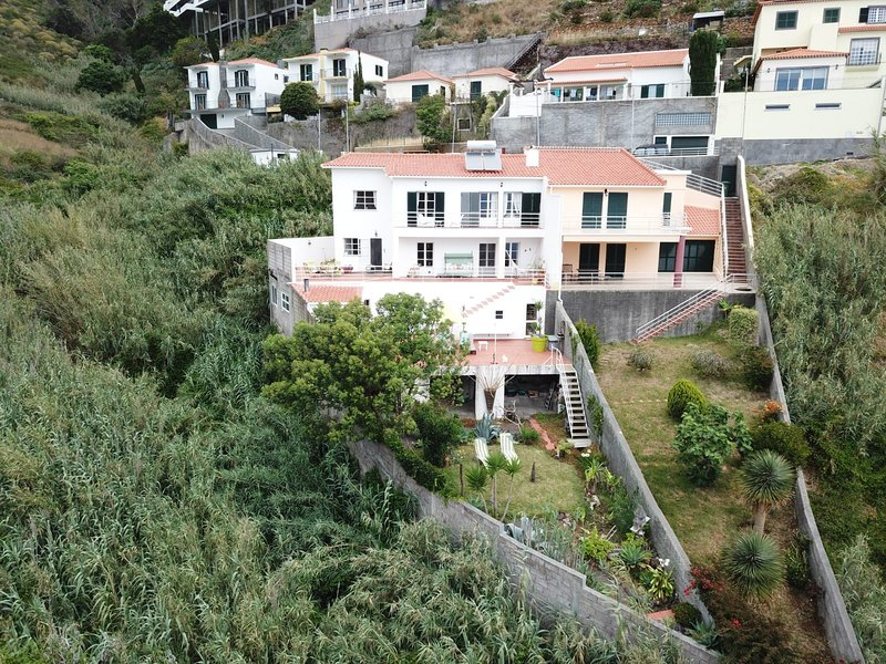 GUEST HOUSE SOPHIA, vacation rental in Canico