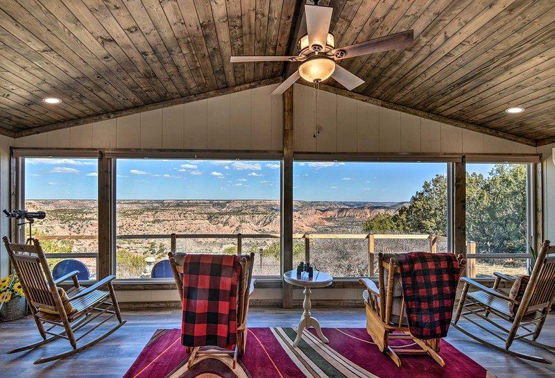 Renovated Home Overlooking Palo Duro Canyon!, alquiler vacacional en Canyon
