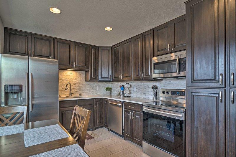La casa cuenta con una excelente cocina totalmente equipada.