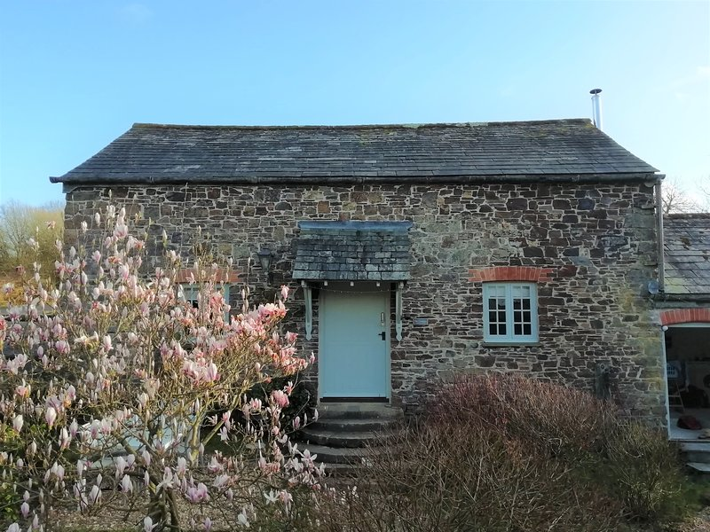 Country Retreat Just Minutes to the Beach- The Granary at Stoneleigh Knowle, location de vacances à Bude-Stratton