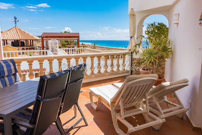Precioso apartamento, con terraza y vista al mar, holiday rental in Jandia Peninsula