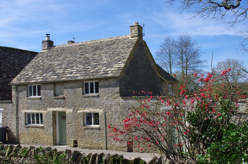 Maisey Cottage - Maisey Cottage is a 200-year-old Cotswold cottage with a pretty, Ferienwohnung in Alvescot