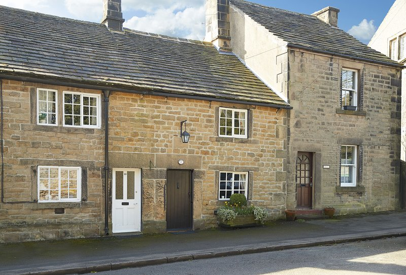 Memorial Cottage, holiday rental in Calver