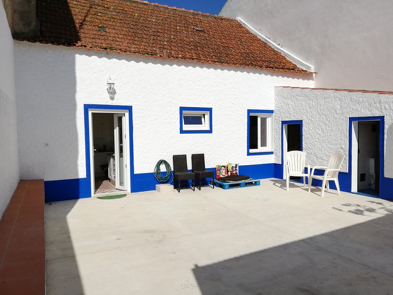 Alentejo Family House, vacation rental in Porto Covo