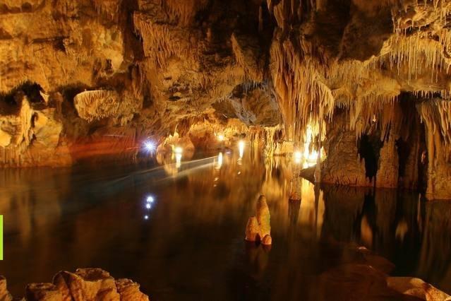 Cuevas de Diros (90km)