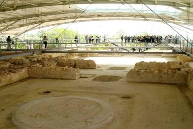 Palace of Nestor (38km)