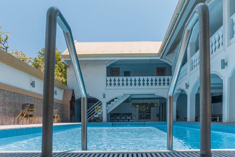 ADMIRIA 1 Resort, holiday rental in Laguna Province