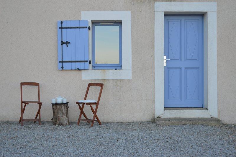 Gîte En Dardé 2 - Schitterend Château uit 1800 op 90 hectare bos en grasland, holiday rental in Lacombe