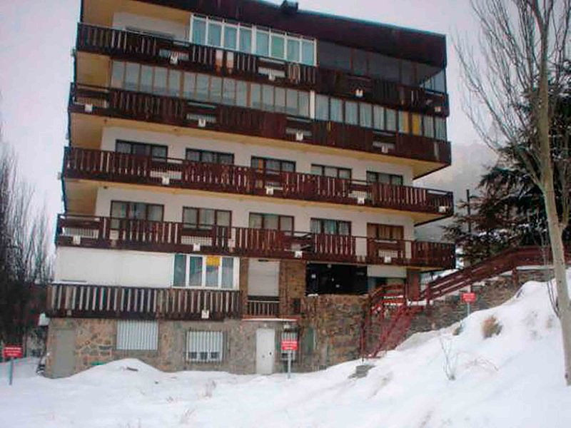 Cozy apartment for occupancy of 46 people with Wifi, vacation rental in Sierra Nevada