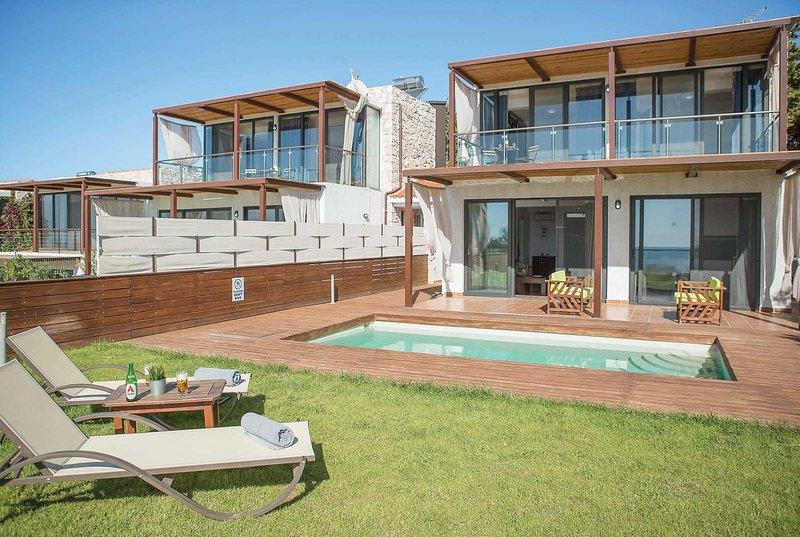 Newly built 3 bed villa close to amenities, location de vacances à Kalyves Polygyrou