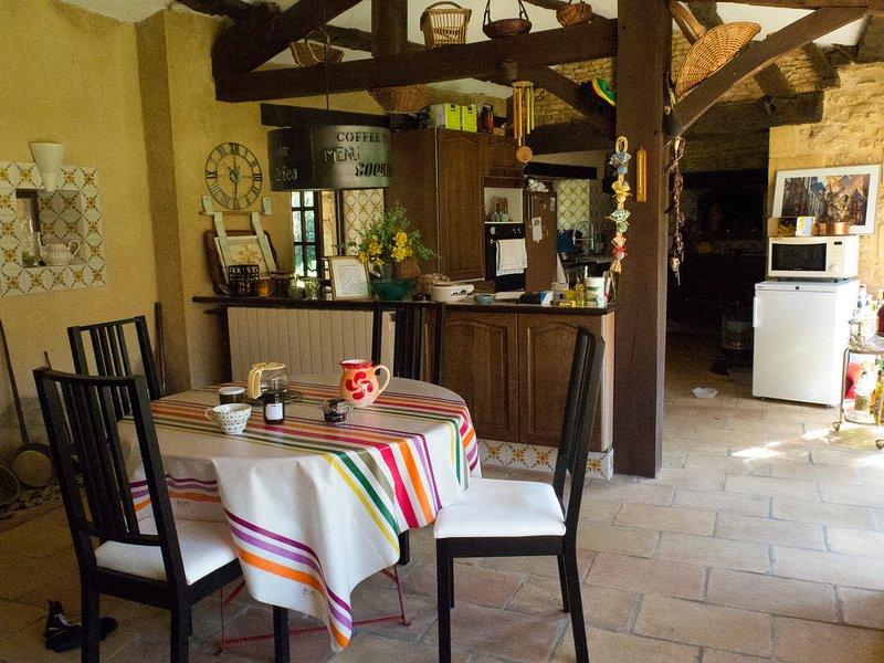 Amazing villa with swimming-pool, location de vacances à Tamnies