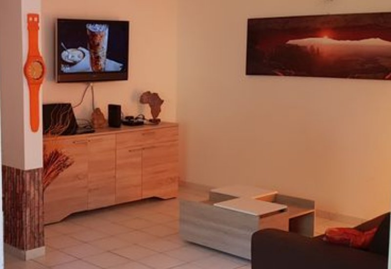 Beautiful house with terrace & Wifi, vakantiewoning in Pointe-à-Pitre