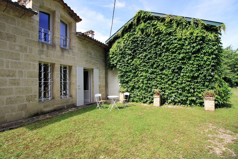 Chambre d'hôtes La Barade, vacation rental in Saint-Sulpice-et-Cameyrac