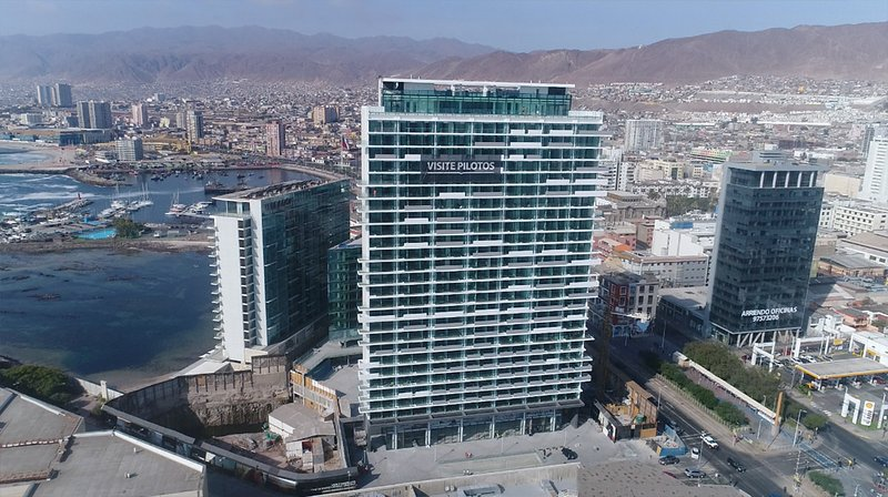 Cómodo apartamento en exclusivo edificio. Perfecta ubicación. Equipado/Servicios, holiday rental in Antofagasta Region