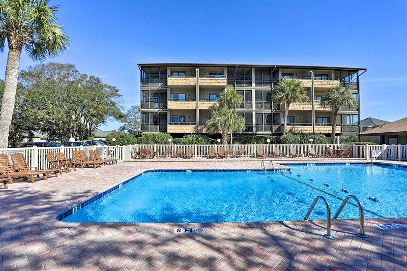 Avrai accesso alla piscina della comunità in questo ritiro di Myrtle Beach!