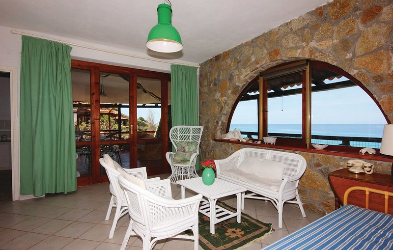 Villa fronte Mare, holiday rental in Parghelia
