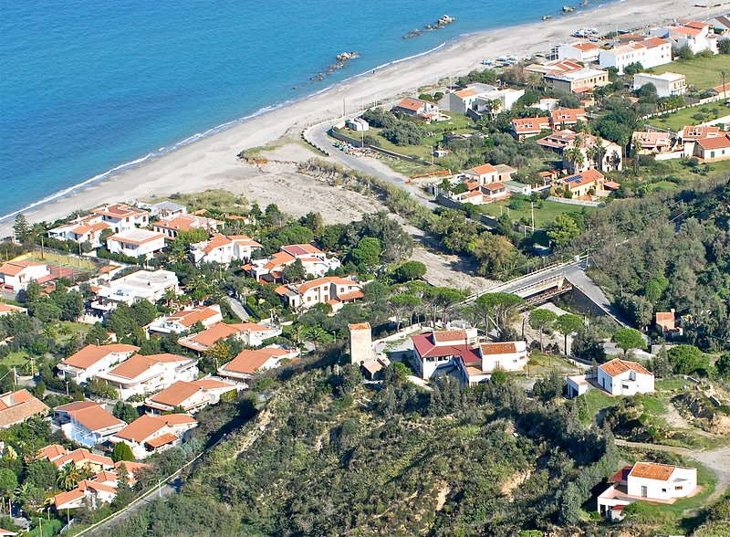 Nice apartment with sea view & Wifi, holiday rental in San Filippo del Mela