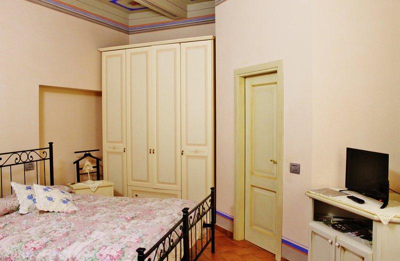 Case Vacanze del Dovizi - Casa Fiorita, vacation rental in Bibbiena
