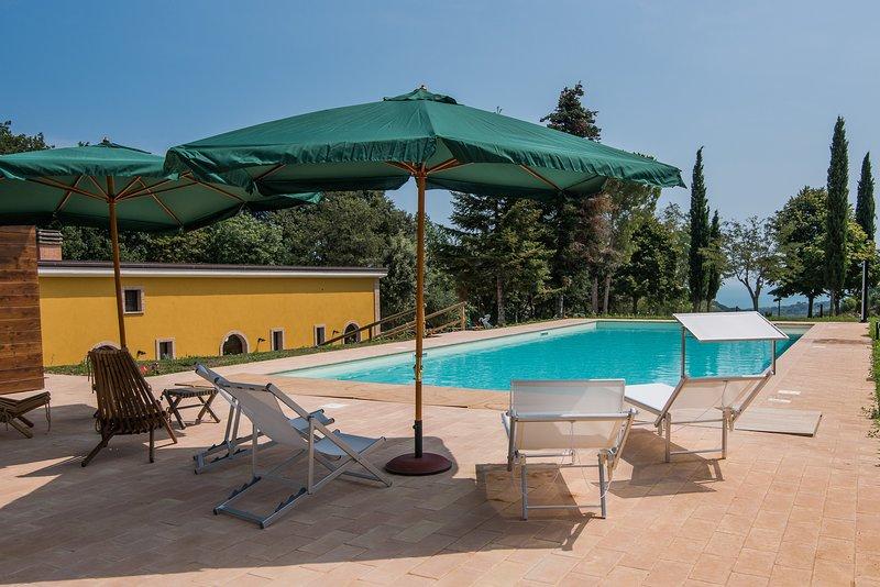 Poggio Imperiale Marche Country House, appartamenti privati, casa vacanza a Montecosaro