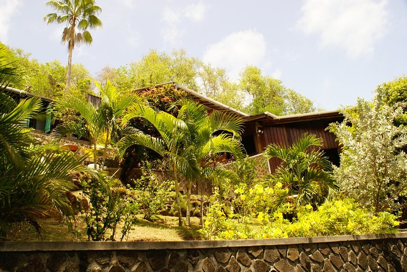 Bequia Garden House on Mount Pleasant, holiday rental in Port Elizabeth