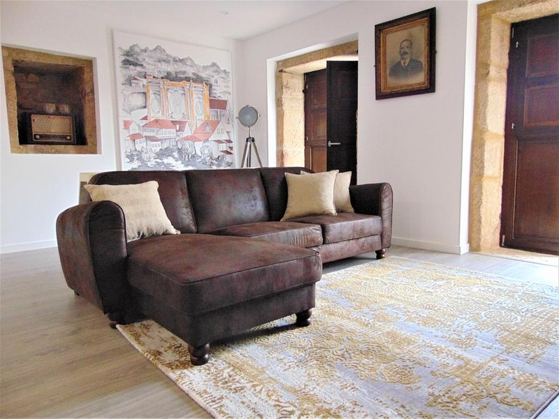 Spacious house with mountain view, vacation rental in Viseu District
