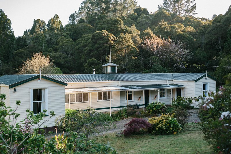 Kauri Coast Estate Owners Cottage, holiday rental in Omapere