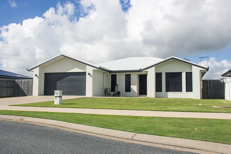 Family Friendly Holiday Home, holiday rental in Mackay