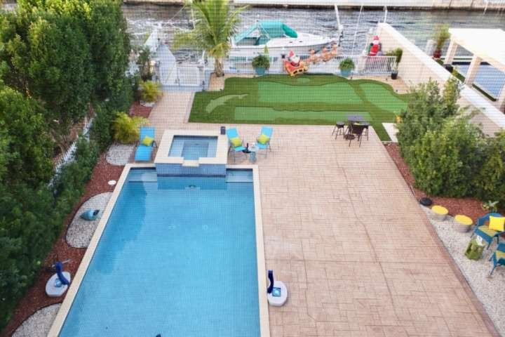 Private pool and mini golf included in your reservation