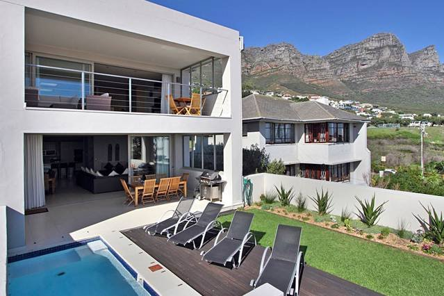 Cape Blue, vacation rental in Bakoven