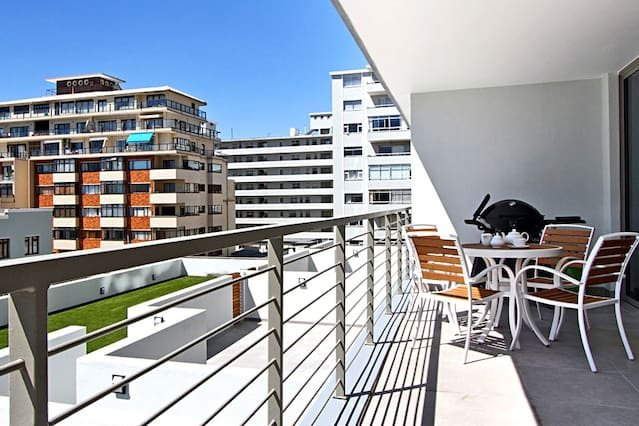Fairmont 201, vacation rental in Bantry Bay