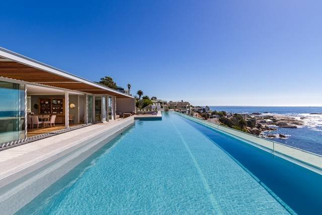 Luxury Ocean View Penthouse - 25m private pool, vacation rental in Bakoven